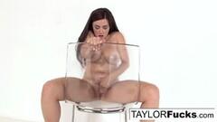 Kinky Taylor Vixen gets nude! Thumb