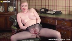 Secretary strips off for spunk on pantyhose pussy Thumb