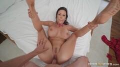 Naughty Latina maid craves cock Thumb