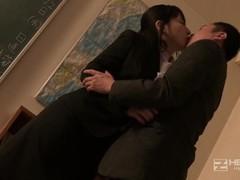 生徒の前で~女教師めぐみの情事 - 遥めぐみl1 Thumb