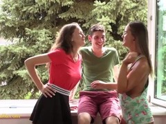 threesome teens - young big tits Thumb