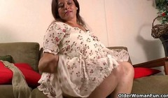 Latina BBW Karina gets off in her nylon pantyhose Thumb