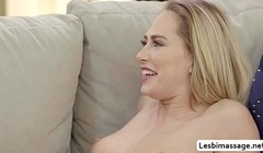 Carter Cruise and Eliza Ibarra use tongue to orgasm Thumb
