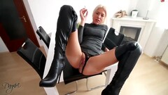 The beautiful blond German milf Daynia smoking & fucking Thumb