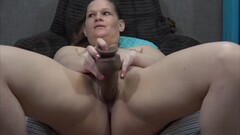 Bisexual muscular MILF with strong hands to jerk off dicks Thumb